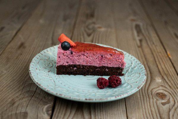 Gyümölcsös joghurtos torta szelet