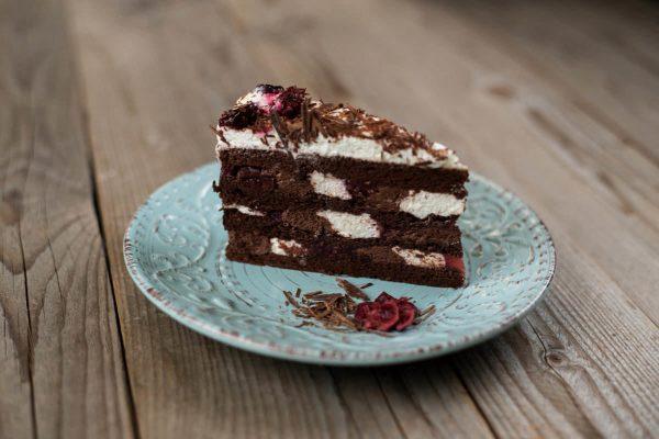 Feketeerdő-torta szelet